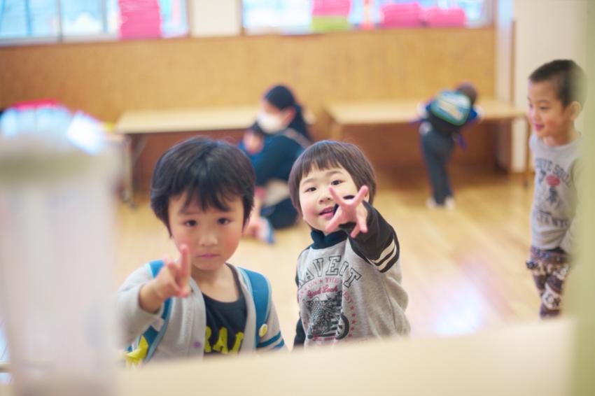 教室にいる男の子